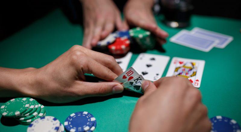 Pelajari Aturan Poker Online untuk Pemula